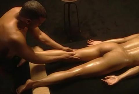 Todo lo que debes saber y aprender para dar un masaje erótico