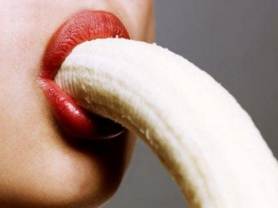 comiendo banana