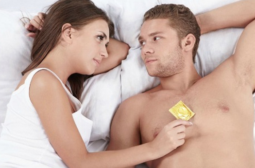 pareja en cama