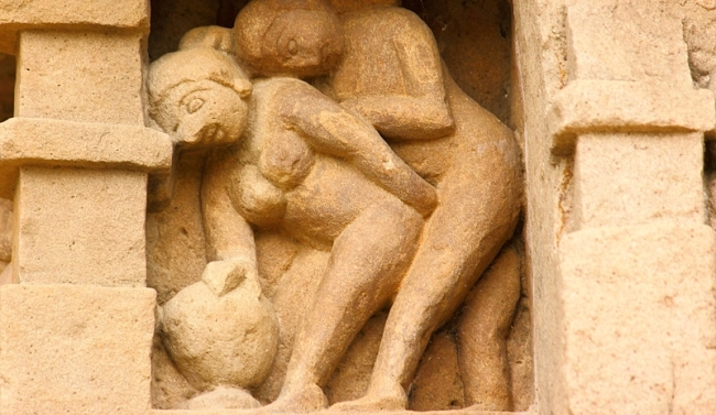 article-kamasutra-posturas-sexuales-541aa7d416113