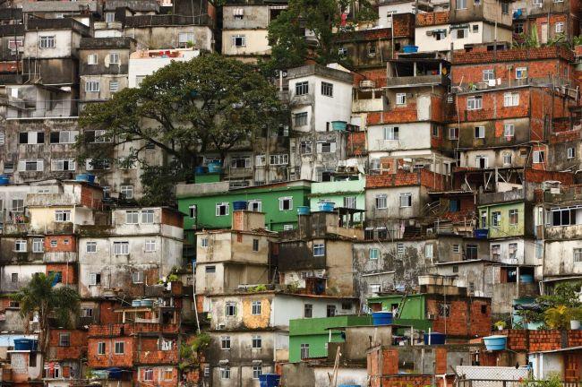 Favela da Rocinha, Morro Dois Irmãos;;Rio de Janeiro – RJ