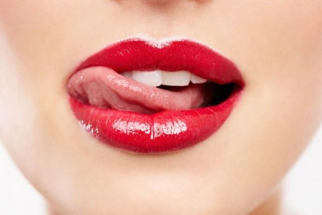 labial-duradero-lamer-morder-labios-e1413171725176